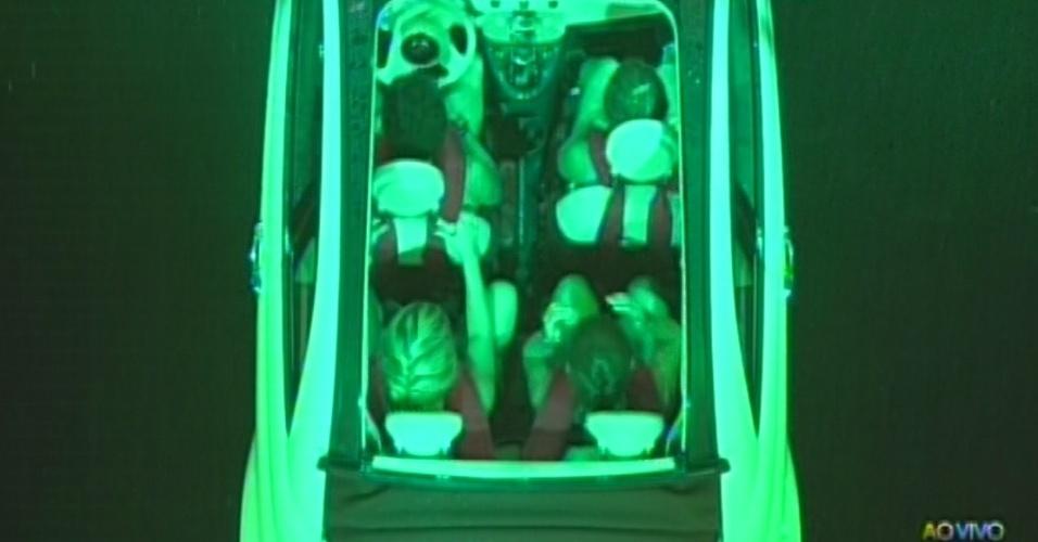 21.mar.2013 - Nasser, Natália, Fernanda e Andressa disputam etapa de resistência na última prova do líder do