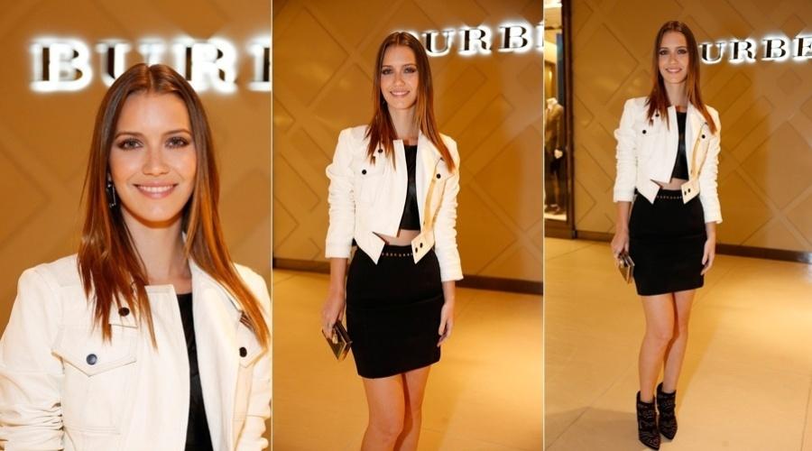 21.mar.2013 - Nathalia Dill prestigiou a inauguração de uma loja em um shopping da zona oeste do Rio