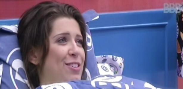 22.mar.2013 - Andressa relembra momento em que passou mal durante a primeira etapa da prova do líder, na madrugada desta sexta-feira