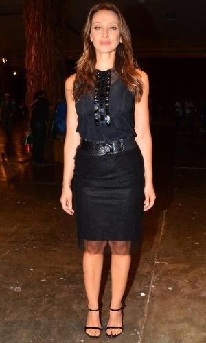 22.mar.2013 Apresentadora Sabrina Parlatore nos bastidores da São Paulo Fashion Week
