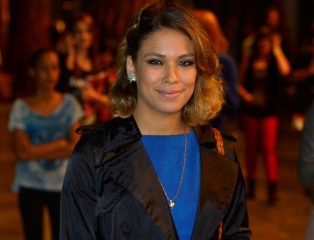 22.mar.2013 Bia Anthony nos bastidores da São Paulo Fashion Week