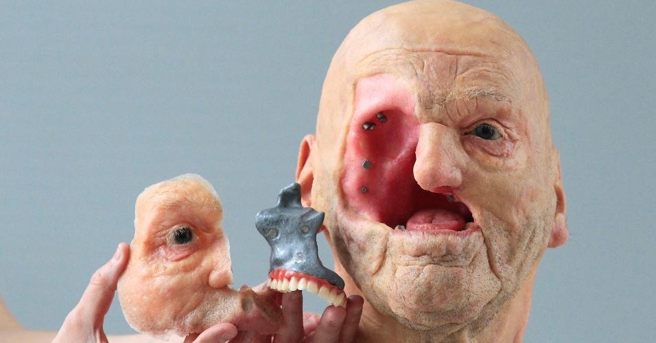 Fruto de uma colaboração entre Jan De Cubber, especialista em reabilitação protética, e a empresa Materialise (especialista em objetos 3D), a imagem acima é um modelo complexo de rosto feito com impressora 3D
