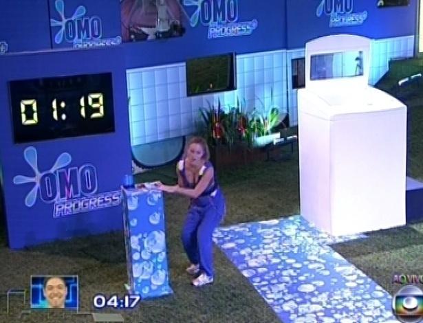 Natália é a segunda a participar e cumpre a prova em 1 minuto e 19 segundos. A gaúcha foi a vencedora da prova.