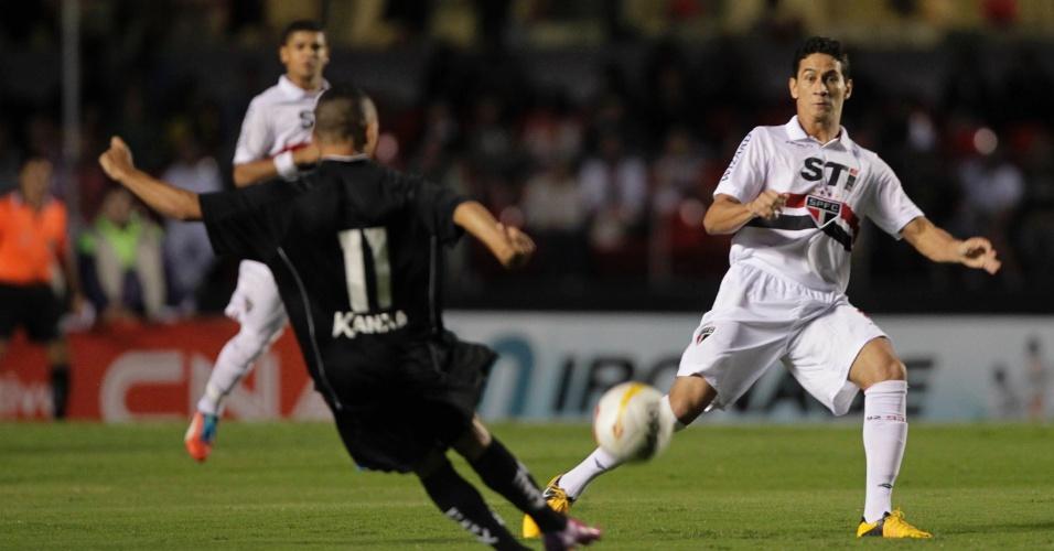 23.mar.2013 - Ganso iniciou como titular e participou do lance do primeiro gol do São Paulo contra o Bragantino