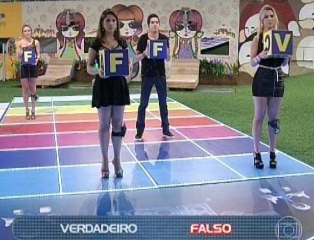 "23.mar.2013 -  Andressa acerta pergunta relacionada a Aline e garante vaga na final do ""BBB13"""