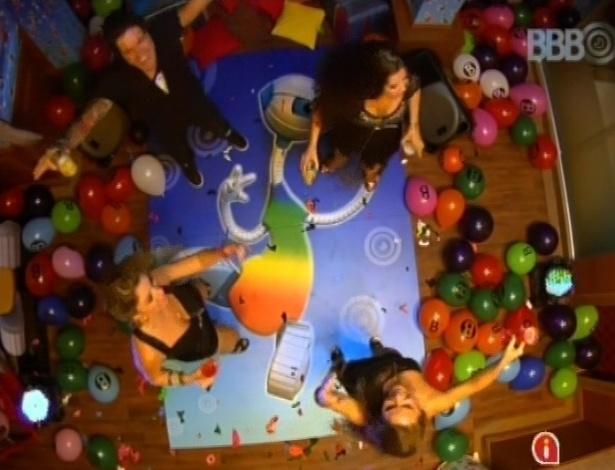 """23.mar.2013 - Brothers comemoram em última festa do """"BBB13"""""""
