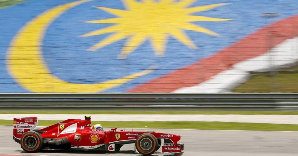 23.mar.2013 - Felipe Massa pilota sua Ferrari durante o treino de classificação do GP da Malásia