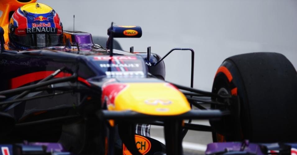 23.mar.2013 - Mark Webber conduz sua Red Bull durante o treino de classificação em Sepang