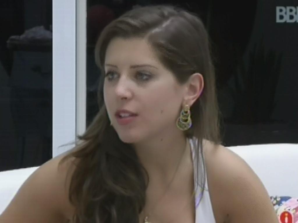 24.mar.2013 - Andressa conversa com Nasser e diz que se supreendeu com vitória na prova do líder
