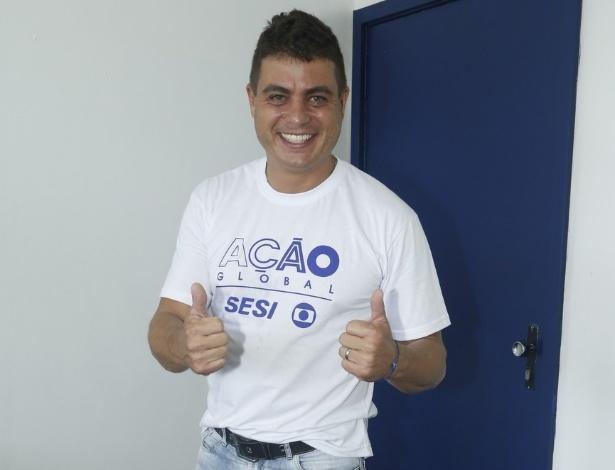 24.mar.2013 - O ex-BBB Dhomini participa do Ação Global, em Duque de Caxias, no Rio de Janeiro