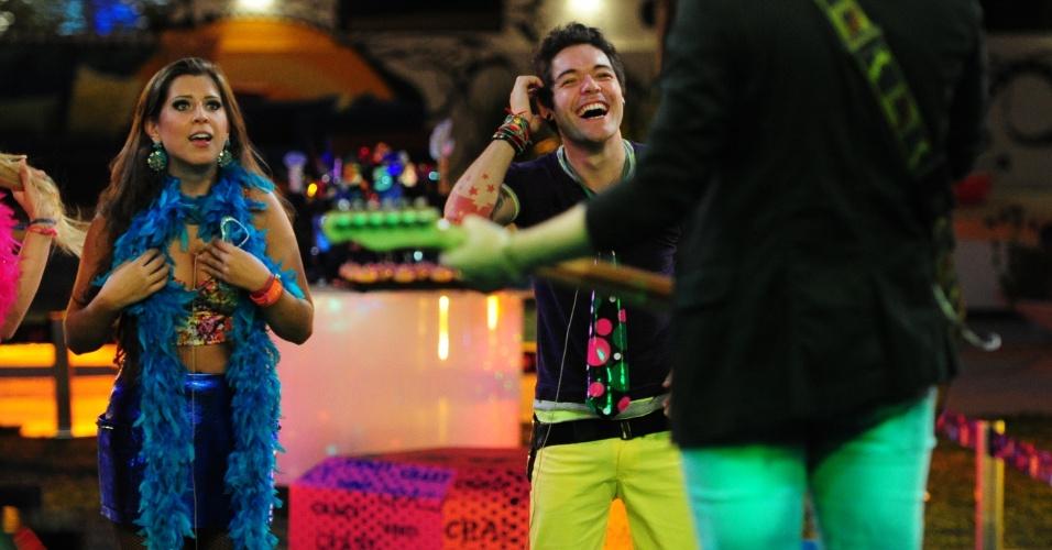 20.mar.2013 - Andressa e Nasser aproveitam show da dupla Fernando & Sorocaba