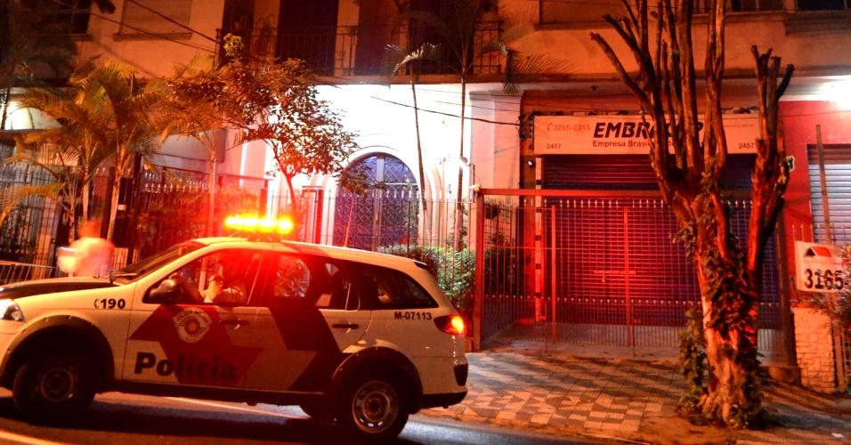 25.mar.2013 - Criminosos armados fizeram um arrastão em cinco apartamentos de um edifício localizado na avenida Brigadeiro Luís Antônio, na região dos Jardins, zona oeste de São Paulo. Foi o segundo caso do tipo ocorrido na localidade em 24 horas