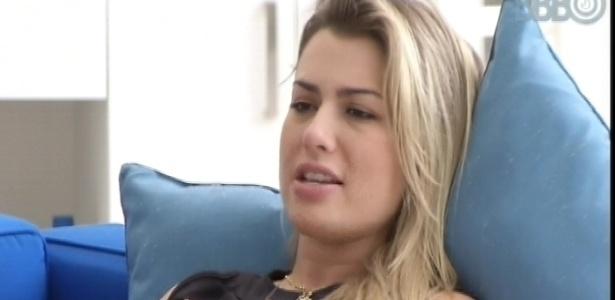 25.mar.2013 - Fernanda diz que seu sonho é estampar um outdoor