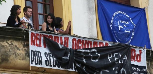 Estudantes da UFRRJ ocupam a reitoria desde o dia 13 de março - Marcelo Regua/UOL