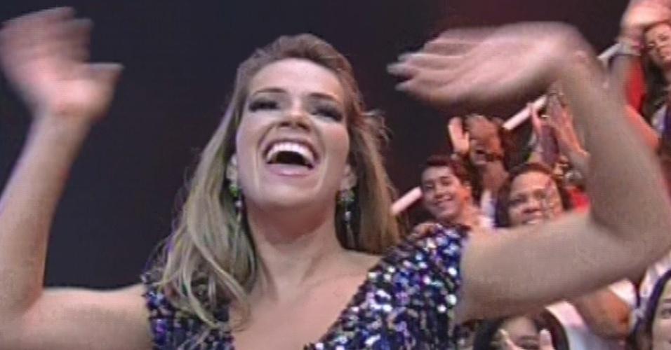 "26.mar.2013 - Fani acena para o público na final do ""BBB13"""