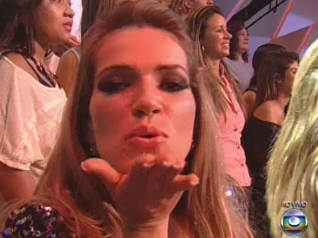 26.mar.2013 - Fani manda beijo para a câmera