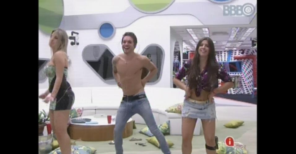 26.mar.2013 - Fernanda, Andressa e Nasser dançam