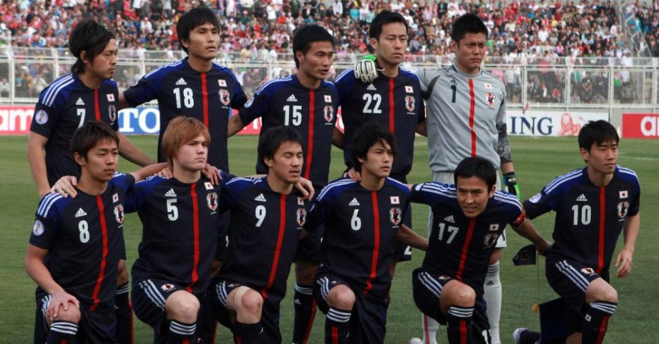 26.mar.2013 - Seleção do Japão posa antes da partida contra a Jordânia pela Eliminatória Asiática para a Copa