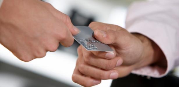 8753dde863 5 dicas para tirar vantagem da nova regra do rotativo do cartão de crédito  - 31 01 2017 - UOL Economia