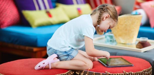 A tela sensível ao toque é de fácil uso, estimula a concentração e chama atenção com cores e animações
