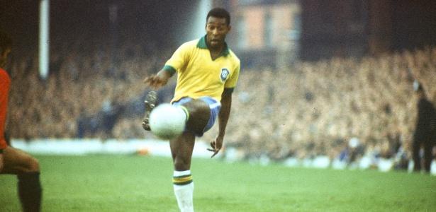 Pelé também declarou apoio aos manifestantes e criticou a construção de estádios
