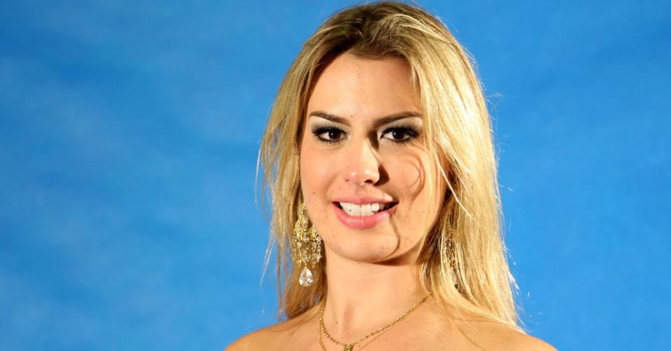 """26.mar.2013 - Campeã do """"BBB13"""", Fernanda diz que ainda está """"em Marte"""" e descarta posar nua"""