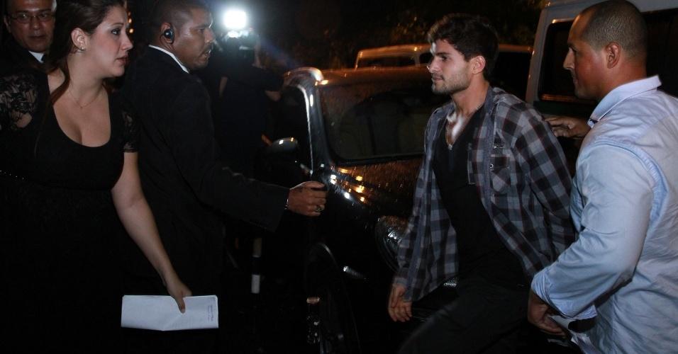 """27.mar.2013 - André chega à festa de encerramento do """"BBB13"""""""
