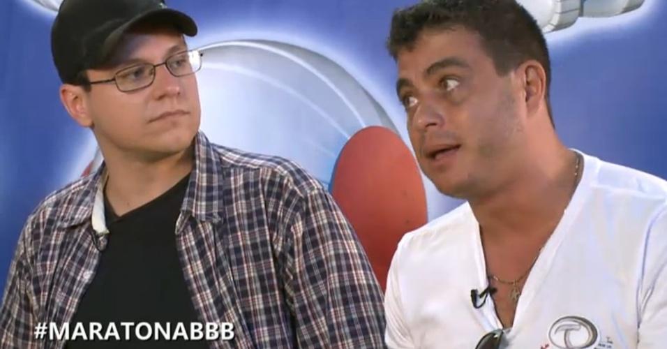 """27.mar.2013 - Dhomini afirma que Fernanda foi induzida ao erro por Kamilla, mas conseguiu acertar no """"BBB13"""""""