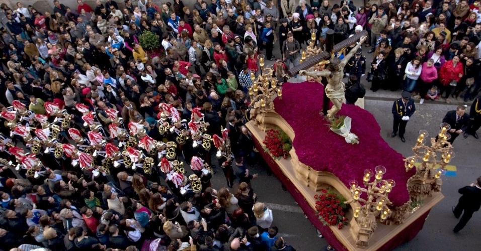 27.mar.2013 - Estátua de Jesus Crucificado na Igreja de São Sebastião de Almeria, na Espanha