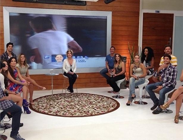 """27.mar.2013 - Ex-BBBs participam do """"Mais Você"""" após vitória da Fernanda na 13° edição do reality show"""