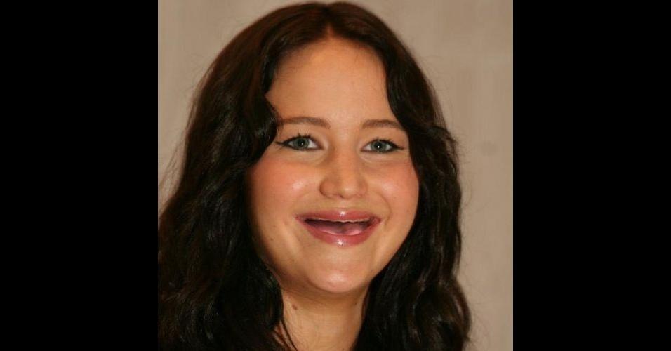 O Tumblr 'Actresses Without Teeth' (atrizes sem dentes) reúne fotos de atrizes em que usuários da web retiraram os dentes usando editores de imagens. Na foto, Jennifer Lawrence