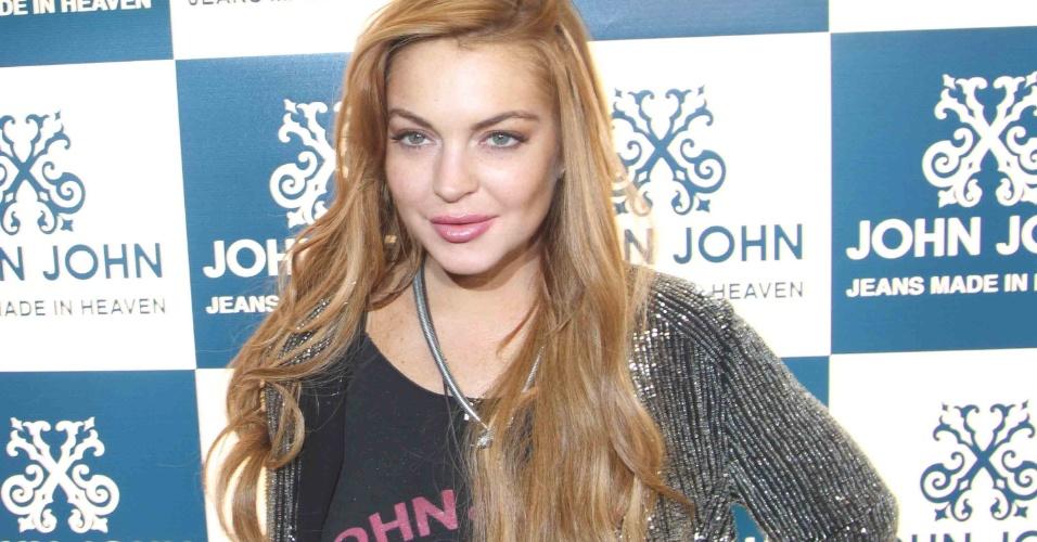 28.mar.2013 - Lindsay Lohan chega em um coquetel em loja em São Paulo. A atriz está no Brasil para participar de festa de uma marca de roupas. Ela também visitará Florianópolis