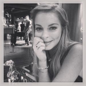 A atriz Lindsay Lohan posa após entrevista para o UOL. A atriz selecionou o filtro da foto, que foi publicada originalmente na conta do UOL Mulher no Instagram (@uolmulher) - Fernanda Schimidt/UOL
