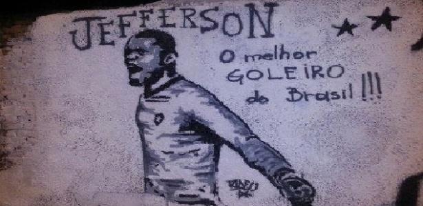 Jefferson foi marado no 'muro dos ídolos' do Botafogo, em General Severiano