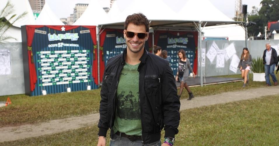 29.mar.2013 - Lucas Malvacini prestigiou o primeiro dia do festival Lollapalooza que acontece em São Paulo