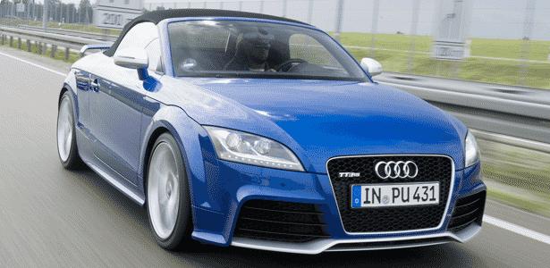 Audi TT RS chega nas configurações Coupé (fechado, R$ 399.000) e Roadster (conversível, de R$ 419.000) - Stefan Sauer/Divulgação