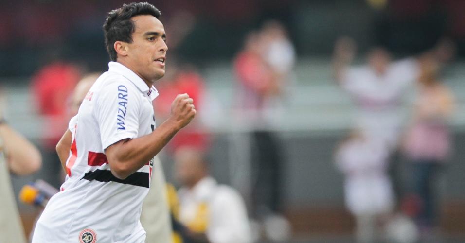 31.mar.2013 - Jadson comemora após abrir o placar para o São Paulo contra o Corinthians