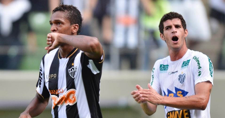 31.mar.2013 - Jô comemora gol pelo Atlético-MG na goleada sobre o Tupi pelo Campeonato Mineiro