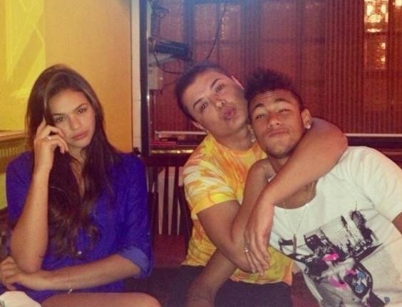 1.abr.2013 - No Dia da Mentira, David Brazil diz que Neymar trocou Bruna Marquezine por ele