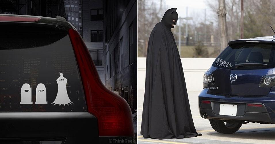 2013 - Tradicional fanfarrão do 1º de abril, o site ThinkGeek anunciou esse adesivo da família feliz exclusivo para o Batman. Teoricamente custa US$ 12 (cerca de R$ 24), mas o usuário é levado a uma página do dia da mentira quando tenta comprá-lo