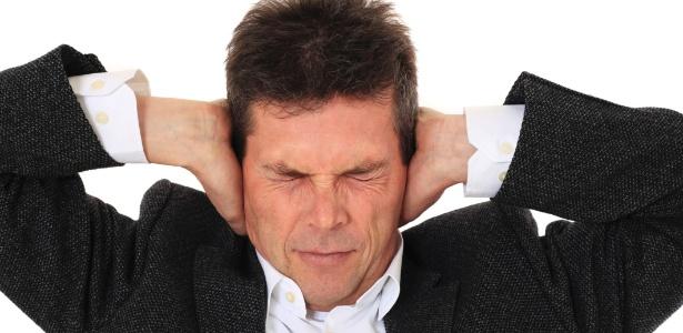 Formas mais graves de zumbido podem levar a depressão, insônia e incapacidade