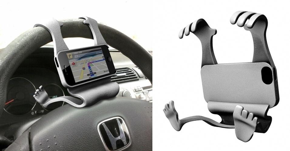 Para quem tem iPhone e dirige, o suporte iDrive, para iPhone 5, ajuda o motorista a consultar facilmente o GPS do smartphone. Ele, literalmente, abraça o volante do carro. O usuário só precisa encaixar o telefone no espaço apropriado. Custa a partir de R$ 110 no Shapeways
