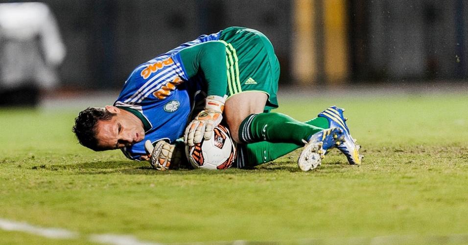 02.04.2013 - Goleiros Fernando Prass participa de aquecimento antes da partida contra o Tigre