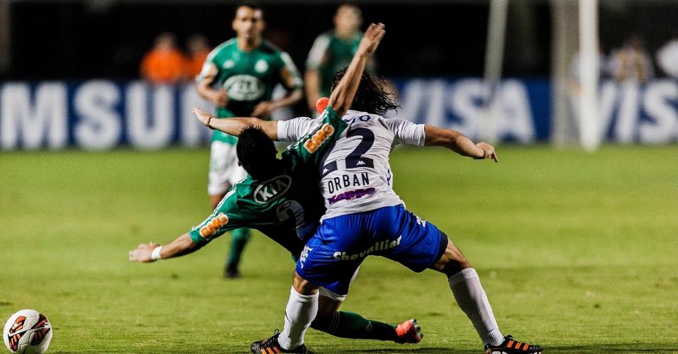 02.04.2013 - Tigre e Palmeiras fizeram uma partida travada no primeiro tempo