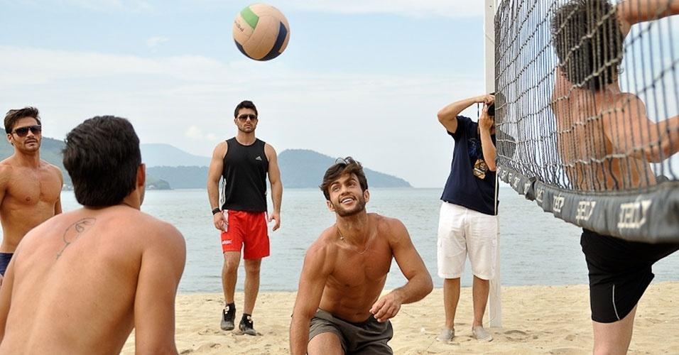 2.abr.2013 - Candidatos do Mister Brasil 2013 participam da prova de esportes, que foi vencida pelo Mister Tocantins, Douglas Schwengber