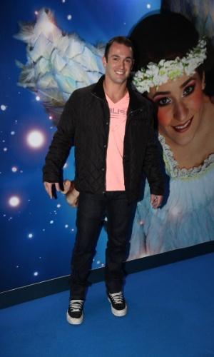 2.abr.2013 - O atleta Diego Hypólito prestigiou o espetáculo Corteo, do Cirque du Soleil, no Parque Villa-Lobos, em São Paulo