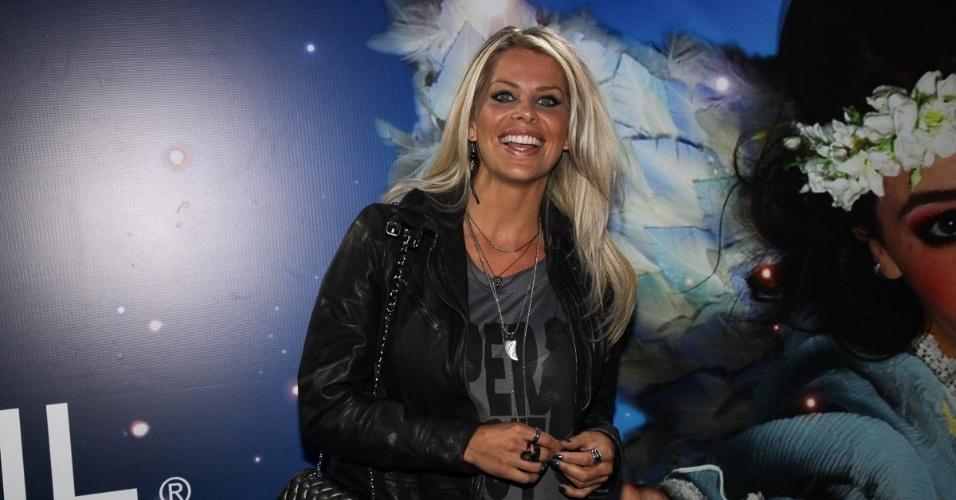 2.abr.2013 - A atriz Karina Bacchi prestigiou o espetáculo Corteo, do Cirque du Soleil, no Parque Villa-Lobos, em São Paulo