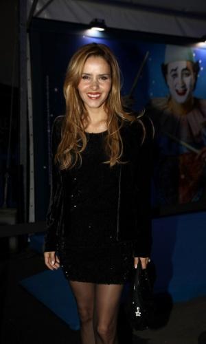 2.abr.2013 - A atriz Leona Cavalli prestigiou o espetáculo Corteo, do Cirque du Soleil, no Parque Villa-Lobos, em São Paulo