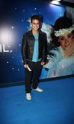 2.abr.2013 - O ator Ronny Kriwat prestigiou o espetáculo Corteo, do Cirque du Soleil, no Parque Villa-Lobos, em São Paulo