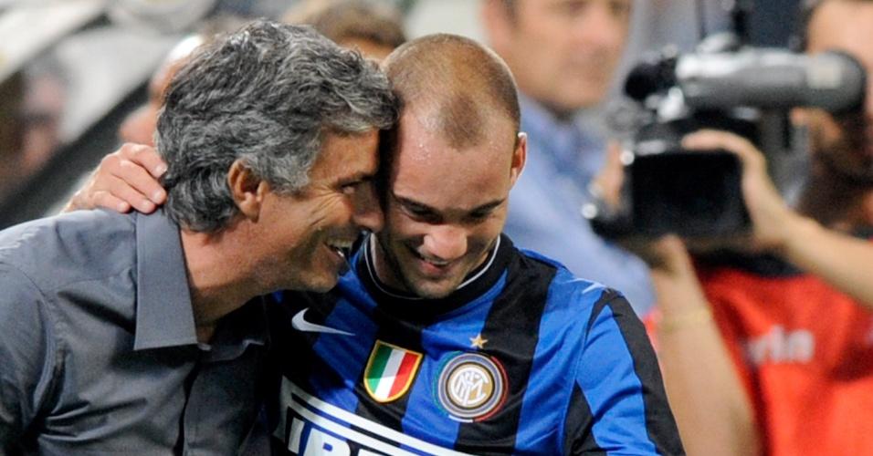Mourinho com Sneijder em título da Liga da Inter de Milão